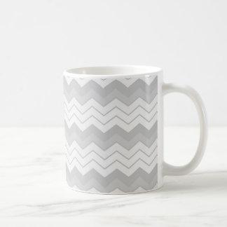 薄い灰色のジグザグ形はシェブロン衰退しました コーヒーマグカップ