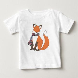 薄ら寒い冬のキツネのTシャツ ベビーTシャツ
