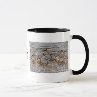 薄暗がりのアメリカトキコウ マグカップ