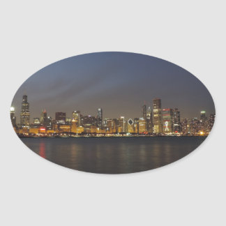 薄暗がりのシカゴのスカイライン 楕円形シール