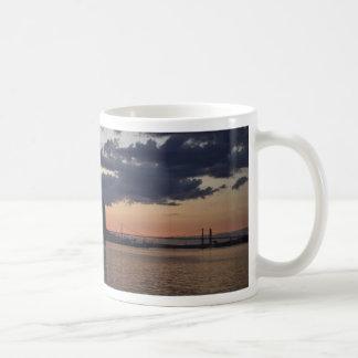 薄暗がりのマグのハリファックスの水辺地帯 コーヒーマグカップ