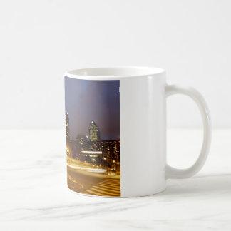 薄暗がりのマグのフィラデルヒィア コーヒーマグカップ