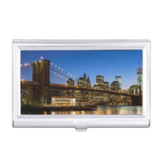薄暗がりのマンハッタンおよびブルックリン橋 名刺入れ