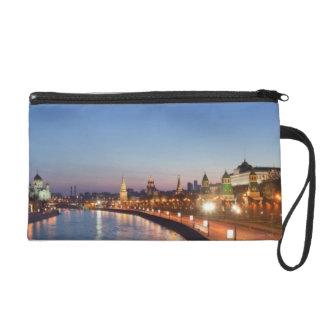 薄暗がりのモスクワの川 リストレット