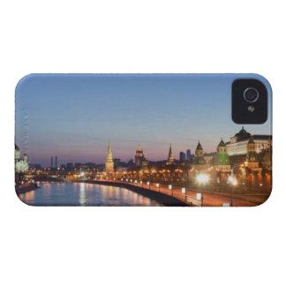 薄暗がりのモスクワの川 Case-Mate iPhone 4 ケース
