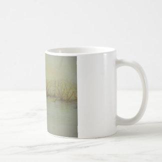 薄暗がりの池 コーヒーマグカップ