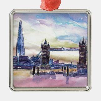 薄暗がりの破片が付いているロンドンタワー橋 メタルオーナメント