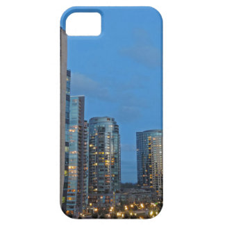薄暗がりの都心のポートランド iPhone SE/5/5s ケース