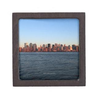 薄暗がりの都心のマンハッタン ギフトボックス