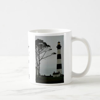 薄暗がりのBodieの島ライト コーヒーマグカップ