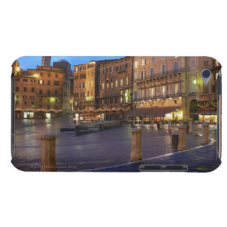 薄暗がりのPiazza Delカンポ、シエナ Case-Mate iPod Touch ケース