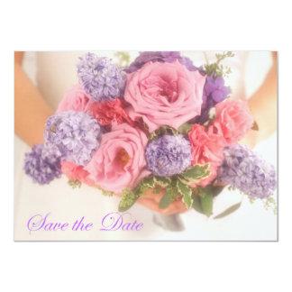 薄紫およびピンクの花束のセーブ・ザ・デート案内 11.4 X 15.9 インビテーションカード