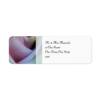 薄紫のばら色の結婚式 返信用宛名ラベル