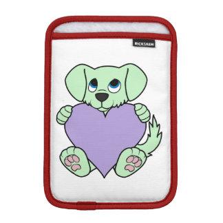薄紫のハートのバレンタインデーの緑犬 iPad MINIスリーブ