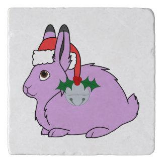 薄紫の北極ノウサギ-サンタの帽子及びシルバーベル トリベット