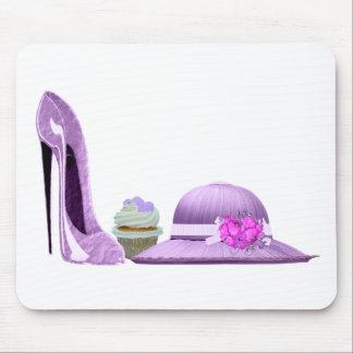 薄紫の小剣の靴、カップケーキおよび帽子の芸術 マウスパッド
