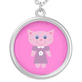 薄紫の服のピンクのカスタムのかわいい漫画猫 シルバープレートネックレス