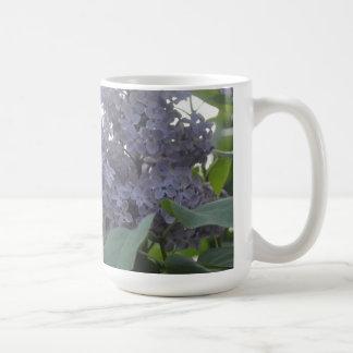 薄紫の紫色のラベンダーのlavanderの花のコップ コーヒーマグカップ