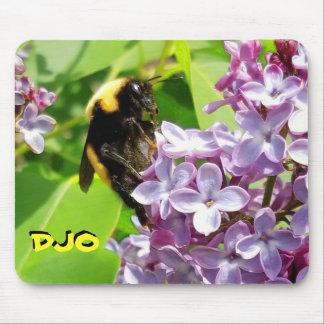 薄紫の花の《昆虫》マルハナバチあなたのイニシャル マウスパッド