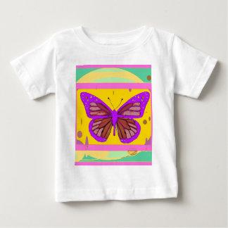 薄紫の(昆虫)オオカバマダラ、モナーク、黄色、Sharles著ティール(緑がかった色)のギフト ベビーTシャツ