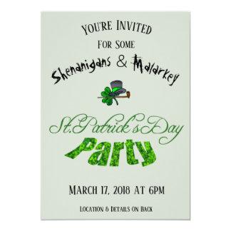 薄緑のセントパトリックの日のパーティの招待状- カード