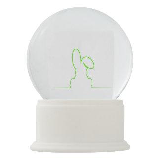 薄緑のノウサギの輪郭 スノーグローブ