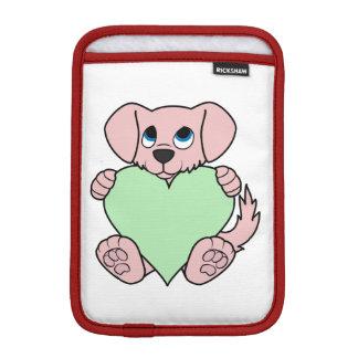 薄緑のハートのバレンタインデーのピンク犬 iPad MINIスリーブ