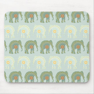 薄緑の象および曼荼羅パターン マウスパッド