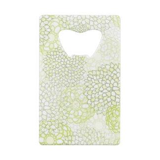 薄緑色そして白い花の破烈 クレジットカード 栓抜き