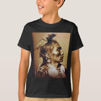 薬のカラスのApsarokeの原産のアメリカインディアン Tシャツ