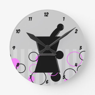薬剤師の時計のレトロのスタイルのピンク ラウンド壁時計