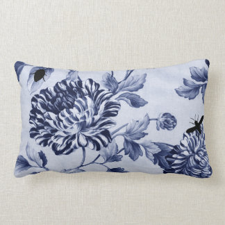 藍色のヴィンテージの植物の虫の花柄Toile ランバークッション