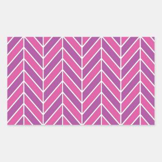 藤色および明るい赤紫色のヘリンボンパターン 長方形シール