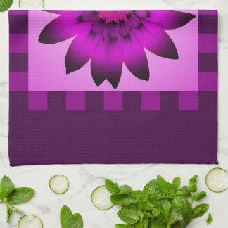 蘭のマゼンタのデイジーの花#2の台所タオル キッチンタオル