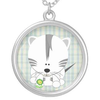 虎の子の白いネックレス シルバープレートネックレス
