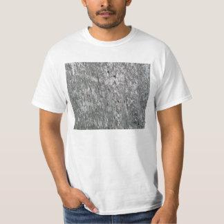 虫食い穴が付いている風化させた納屋木 Tシャツ