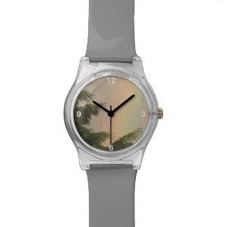 虹および木の腕時計 腕時計
