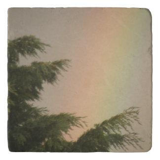 虹および木石造りのTrivet トリベット