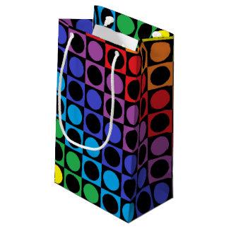 虹および黒い正方形および水玉模様 スモールペーパーバッグ