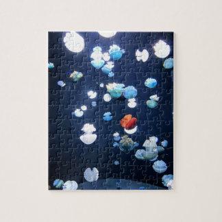 虹のクラゲのモノグラムのパズル ジグソーパズル