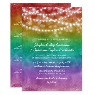 虹のグラデーションなひもは詳細の陽気な結婚式をつけます カード