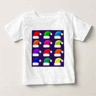 虹のサンタの帽子 ベビーTシャツ