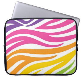 虹のシマウマのプリント ラップトップスリーブ