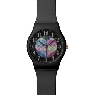 虹のスカルのカップル 腕時計