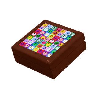 虹のスマイリーフェイスの正方形 ギフトボックス