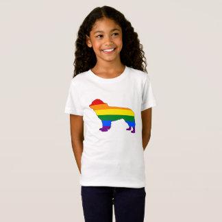 虹のニューファウンドランド犬 Tシャツ