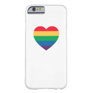 虹のハートのプライドのiPhone6ケース Barely There iPhone 6 ケース