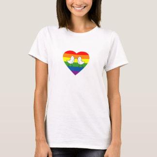 虹のハートの愛鳥 Tシャツ