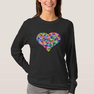 虹のハートの紙吹雪 Tシャツ