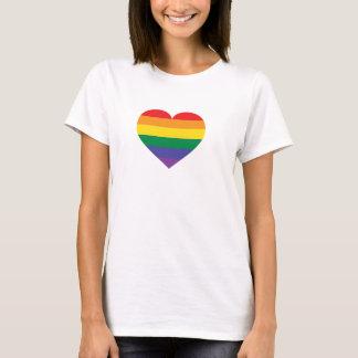 虹のプライドのハート Tシャツ